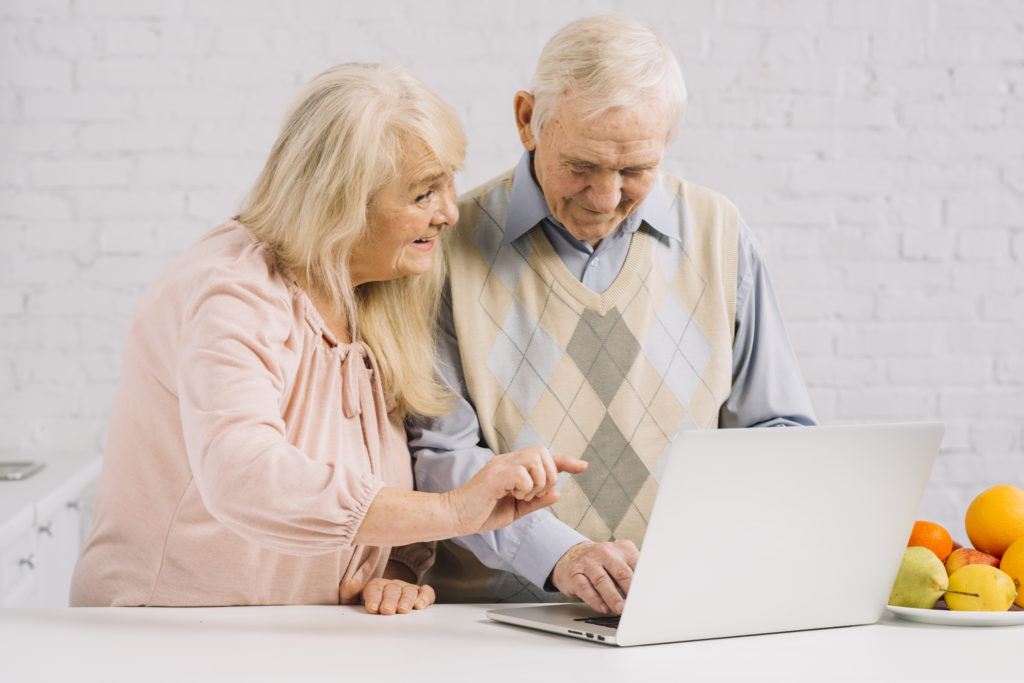 Picture about senior people using technology created by Freepik